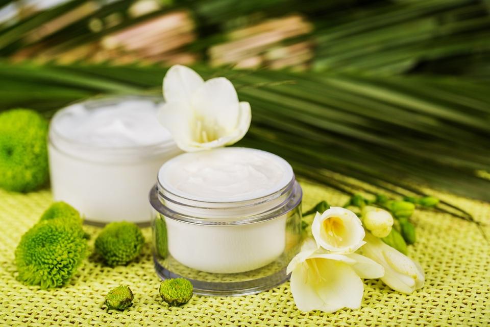 plastic jars for skincare